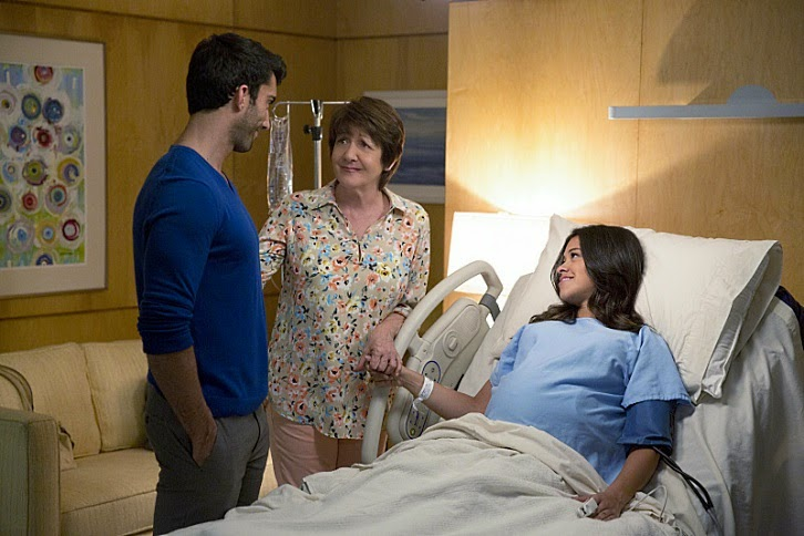 Jane the Virgin - Episode 1.22 - Chapter Twenty Two - Promotional Photos
