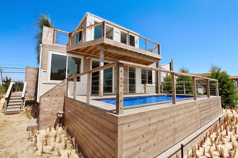 Casa de Playa con Contenedores Reciclados