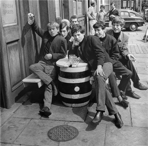 64 Historical Pictures you most likely haven't seen before. # 8 is a bit disturbing! - The Rolling Stones,1963