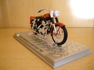colección de altaya de motos harley davidson