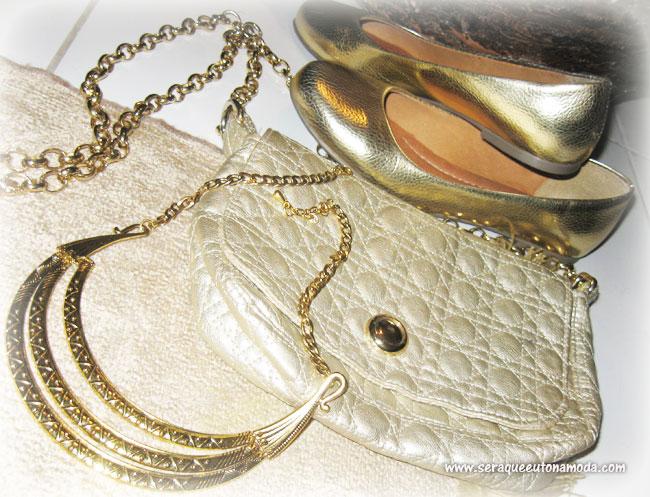 Verão 2014: Acessórios dourados, Sapatilha, bolsa e colar