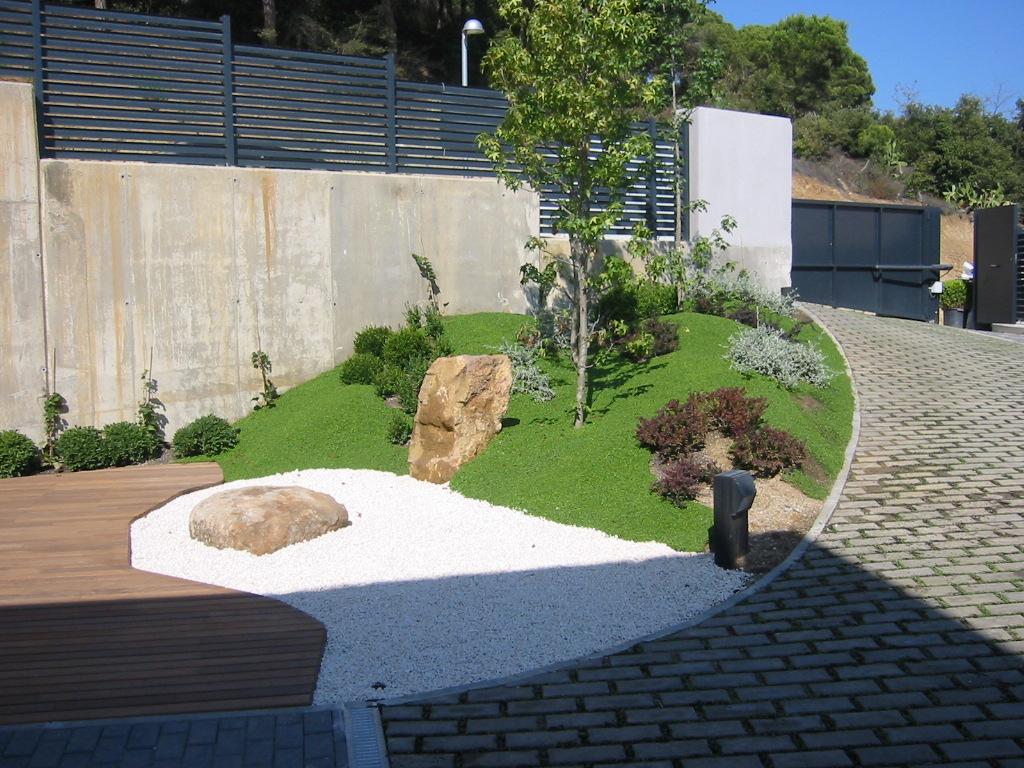 Jardinitis selecci n de fotograf as de nuestros jardines for Jardines pequenos modernos con piedras