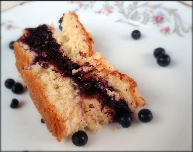 ciasto drożdżowe z jagodami, przepis na ciasto drożdżowe, jak zrobić ciasto drożdżowe