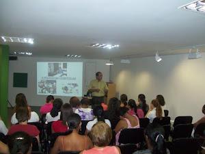 Palestra sobre Pedagogia Hospitalar no espaço IBEP
