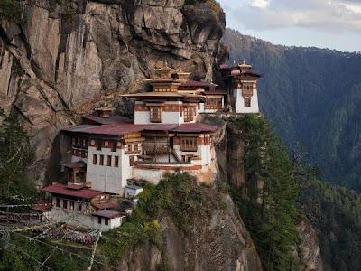 9 Situs Rohani Paling Spektakuler di Dunia
