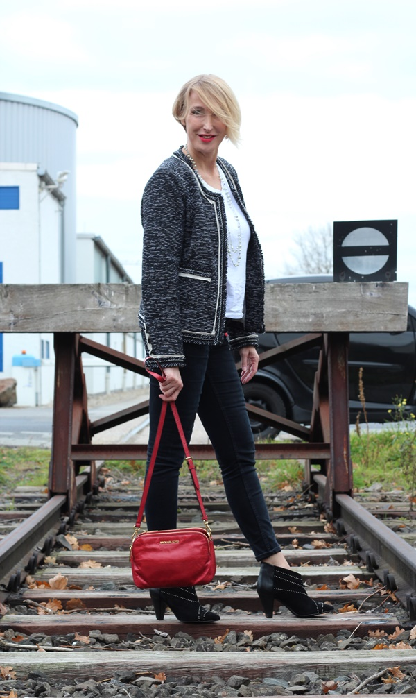 Boucle-Jacke lässig kombiniert + Gewinnerinnen