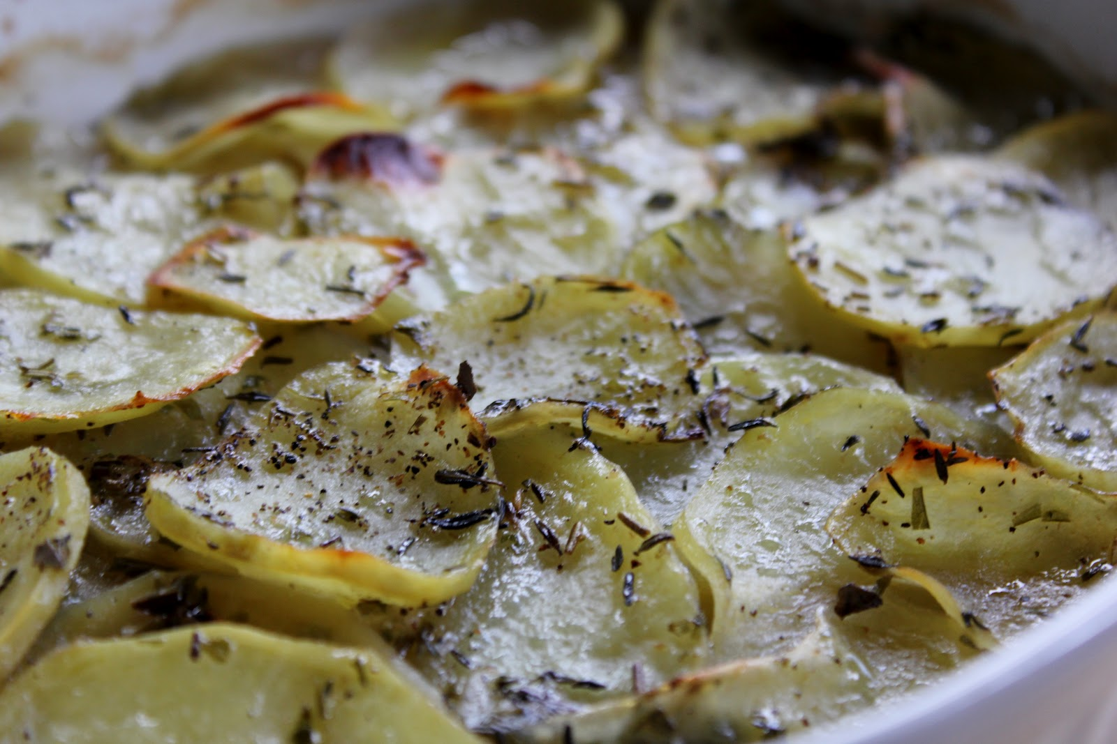 herbed scalloped potatoes serves 4 6 2 pounds yellow potatoes peeled ...