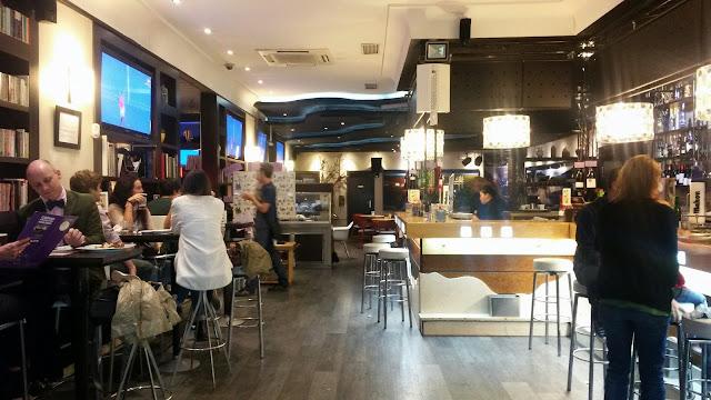 Barra y entrada_Restaurante Cáscaras