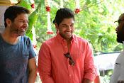 Allu Arjun Trivikram Movie Opening Photos-thumbnail-20