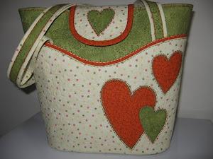 Den här väskan hittar du i Quiltemagasinet nr. 1 / 2011