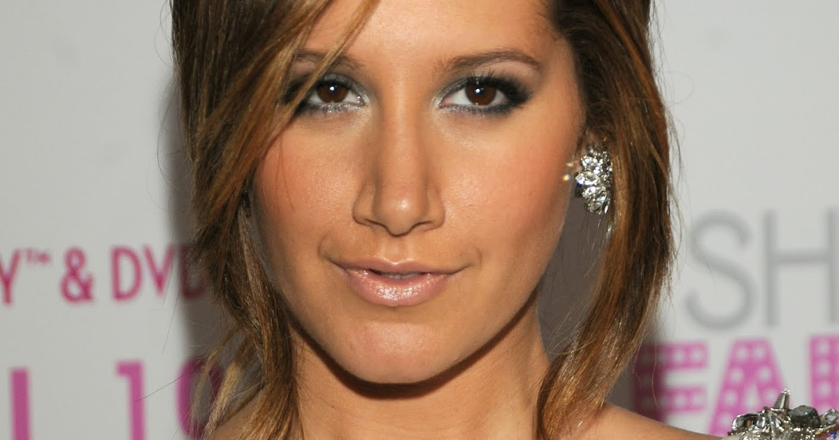 Ashley Tisdale - Les stars nues