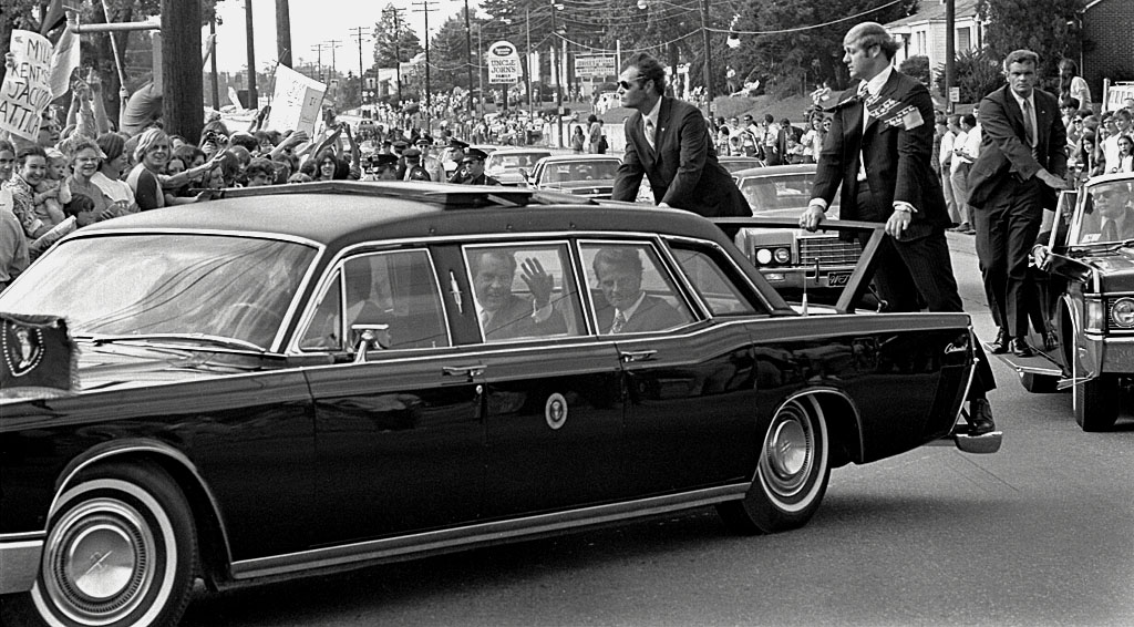 Secret Service agents protecting President Nixon