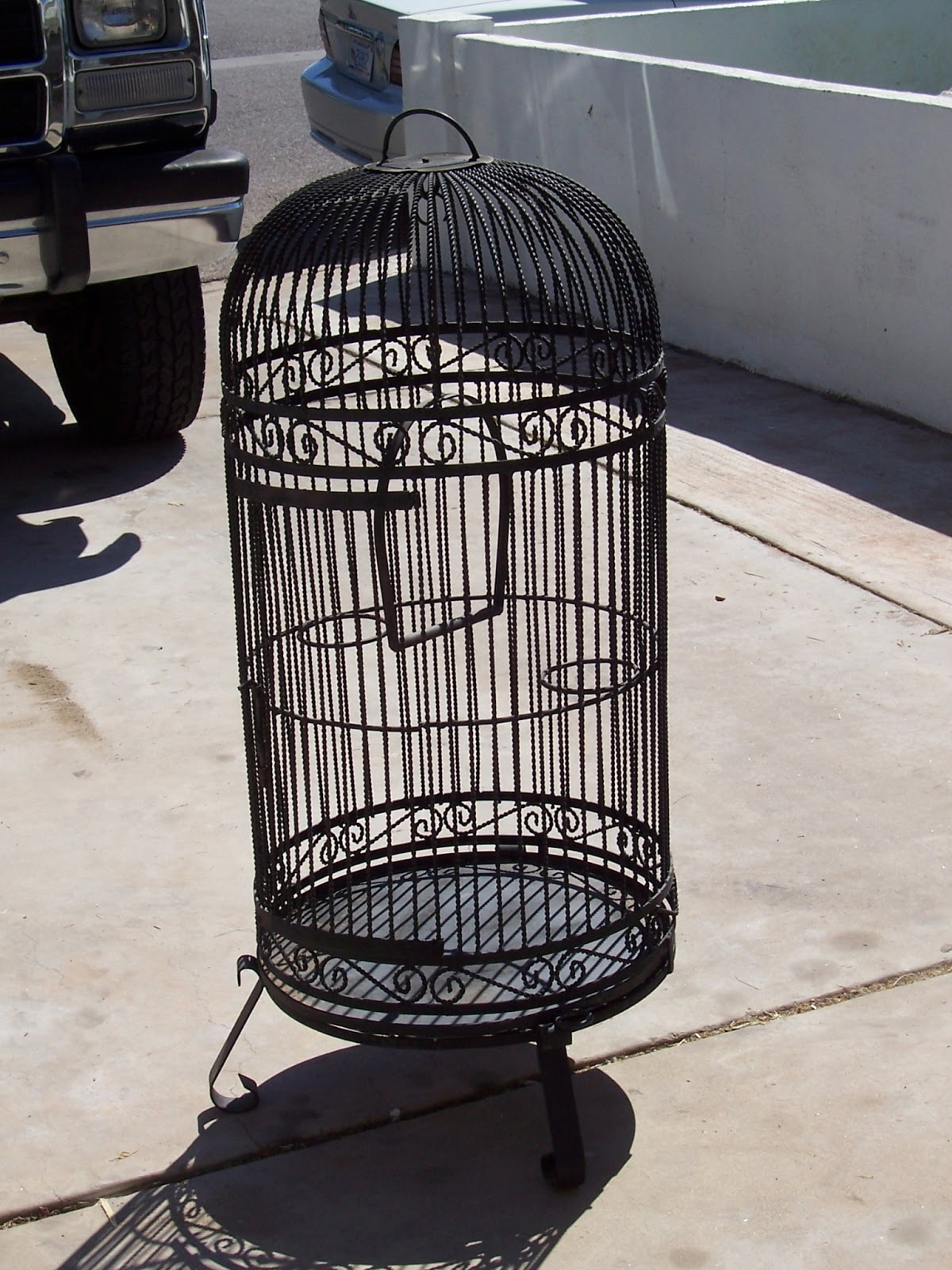 Clutterbuggz Online Yard Sale Vintage Bird Cage And Stand