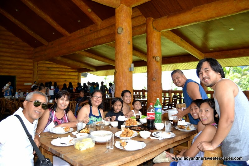 lunch at Campuestohan Highland Resort