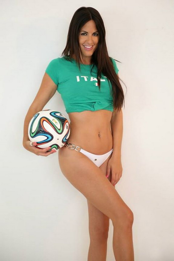 Italian model Claudia Romani gives up modelling to become professional referee