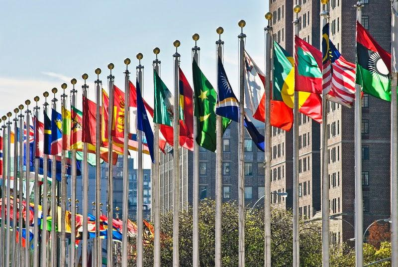 http://1.bp.blogspot.com/-wB-rmwMZmpM/VML7oX1vCDI/AAAAAAAAHEQ/D6f5DEjzOC8/s1600/UN-Flags.jpg