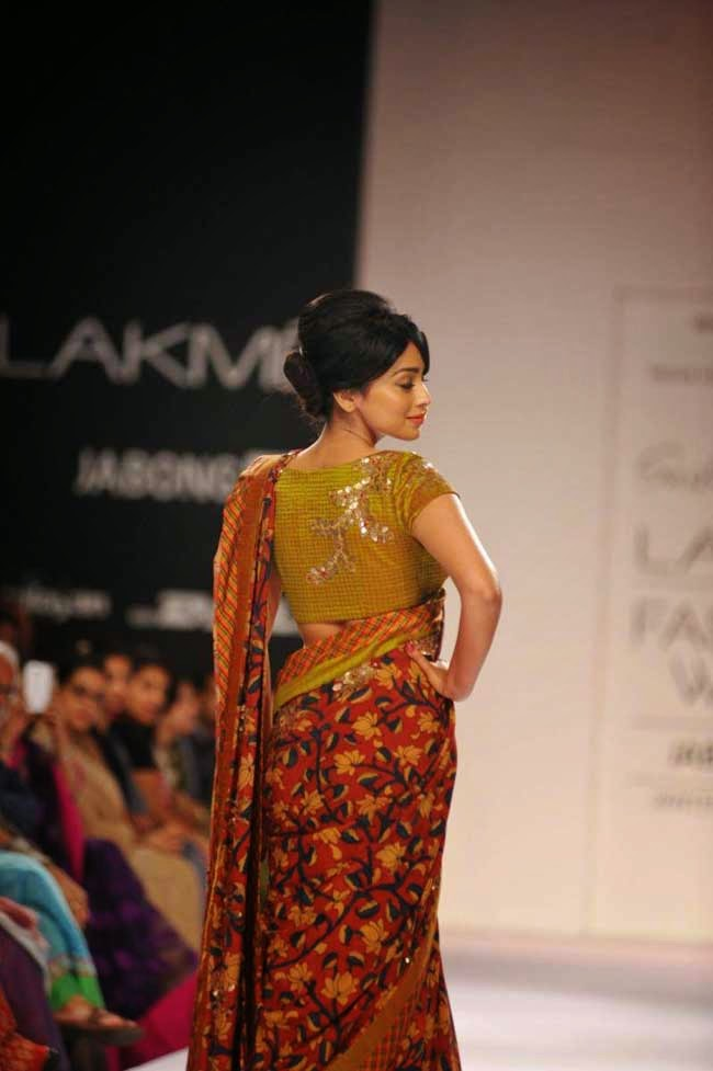 Shriya Saran at LFW Winter/Festive 2014