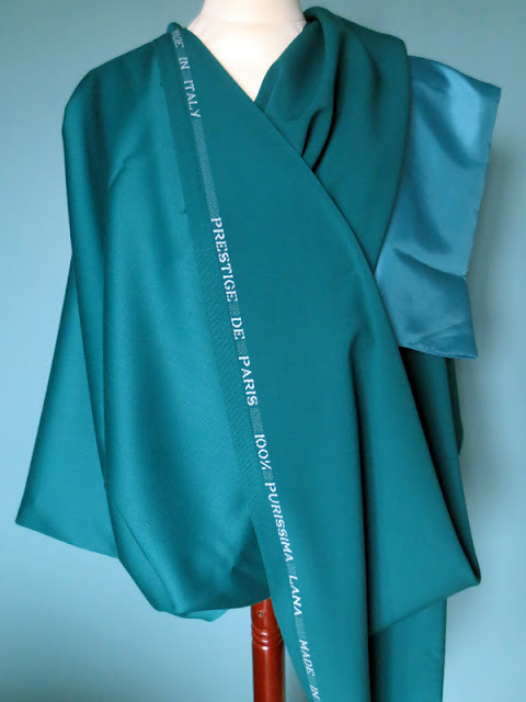 Teal green Italian wool and acetate-cupro lining | www.stinap.com