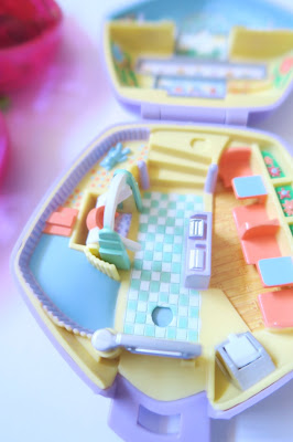 10- 90s Nostalgia Blog Post- 90s Polly Pockets
