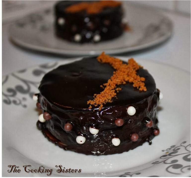 http://the-cooking-sisters.blogspot.fr/2012/03/petits-gateaux-de-crepes-chocolat.html