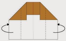 Bước 4: Gấp hai cạnh hai bên tờ giấy vào phía trong.
