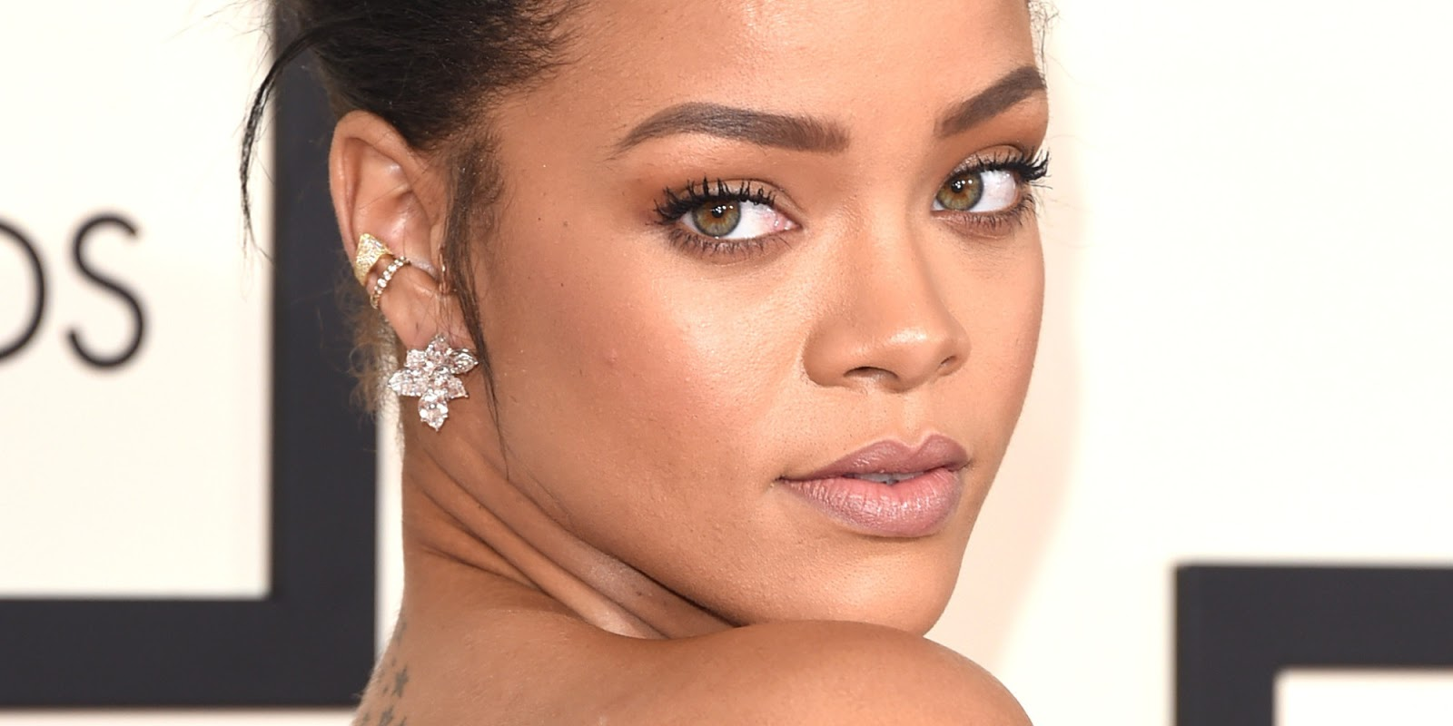Rihanna Beat Up Face Beyonce & Rihanna ...