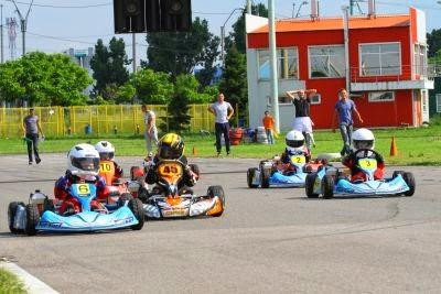 Etapa a 2-a Campionatul National de Karting Viteza pe Circuit - Bacau 2014 Credit foto Tache Foto