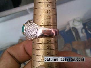 cincin batu bacan palamea