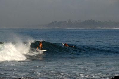 Medewi Surfing