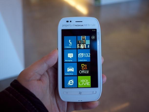 nokia lumia 710 specs price promo feature sale 2012 smart