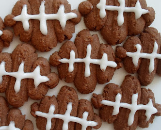 football spritz cookies for the playoffs