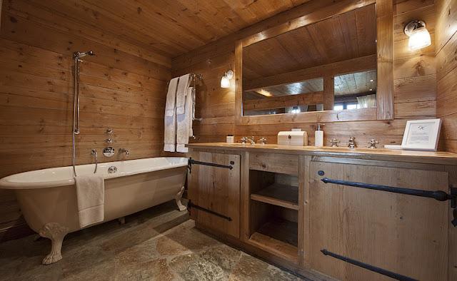 baño rustico de madera