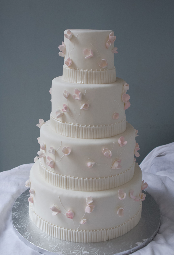 4 H Cake Decorating Ideas http://richgummyandsoftcandies.blogspot.com/2013/01/easy-cake-decorating-ideas-that-make.html