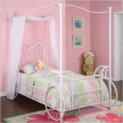 Theme inspiration 11 canopy bed designs house furniture for Princess bed furniture
