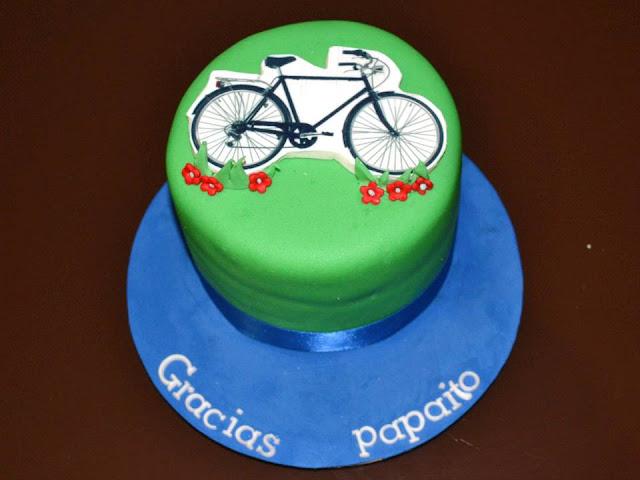 mini tarta fondant Bicicleta agradecimiento, detalle, bautizo, papa.
