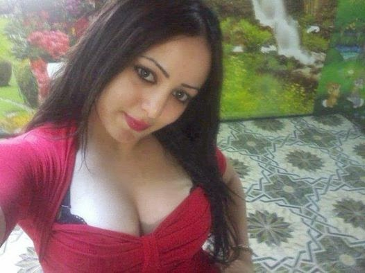 Hottest Arab Girl Showing Boobs