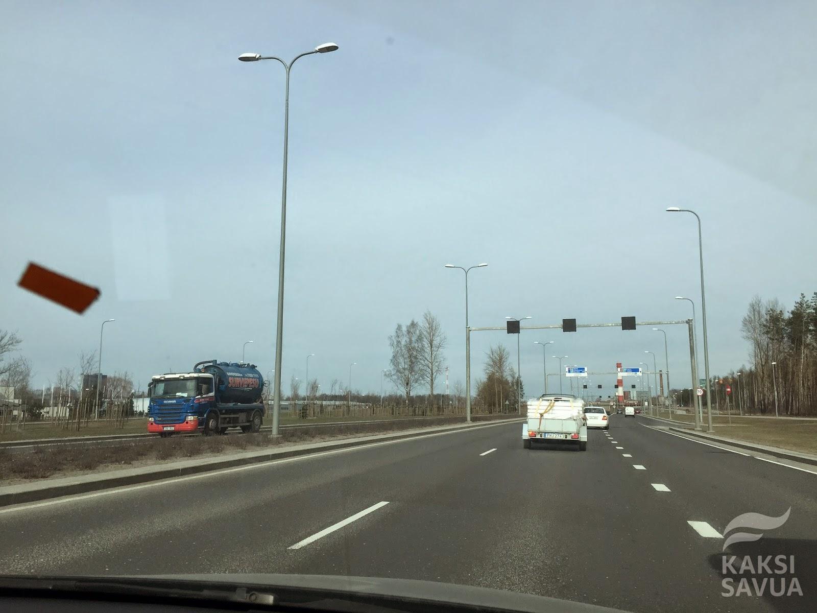 Kaksi Savua matkusti Tallinnaan