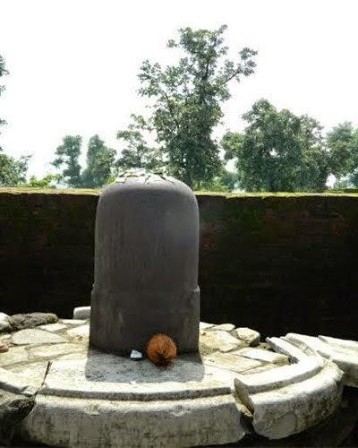 Gandheshwar Shivlinga - 2000 years old