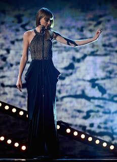 Taylor Swift Kıyafetleri