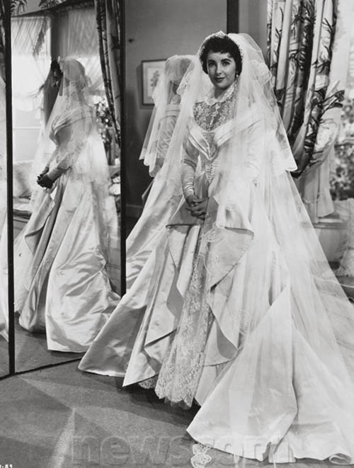 Elizabeth Taylor\'s First Wedding Gown Sells for $188,175 at ...