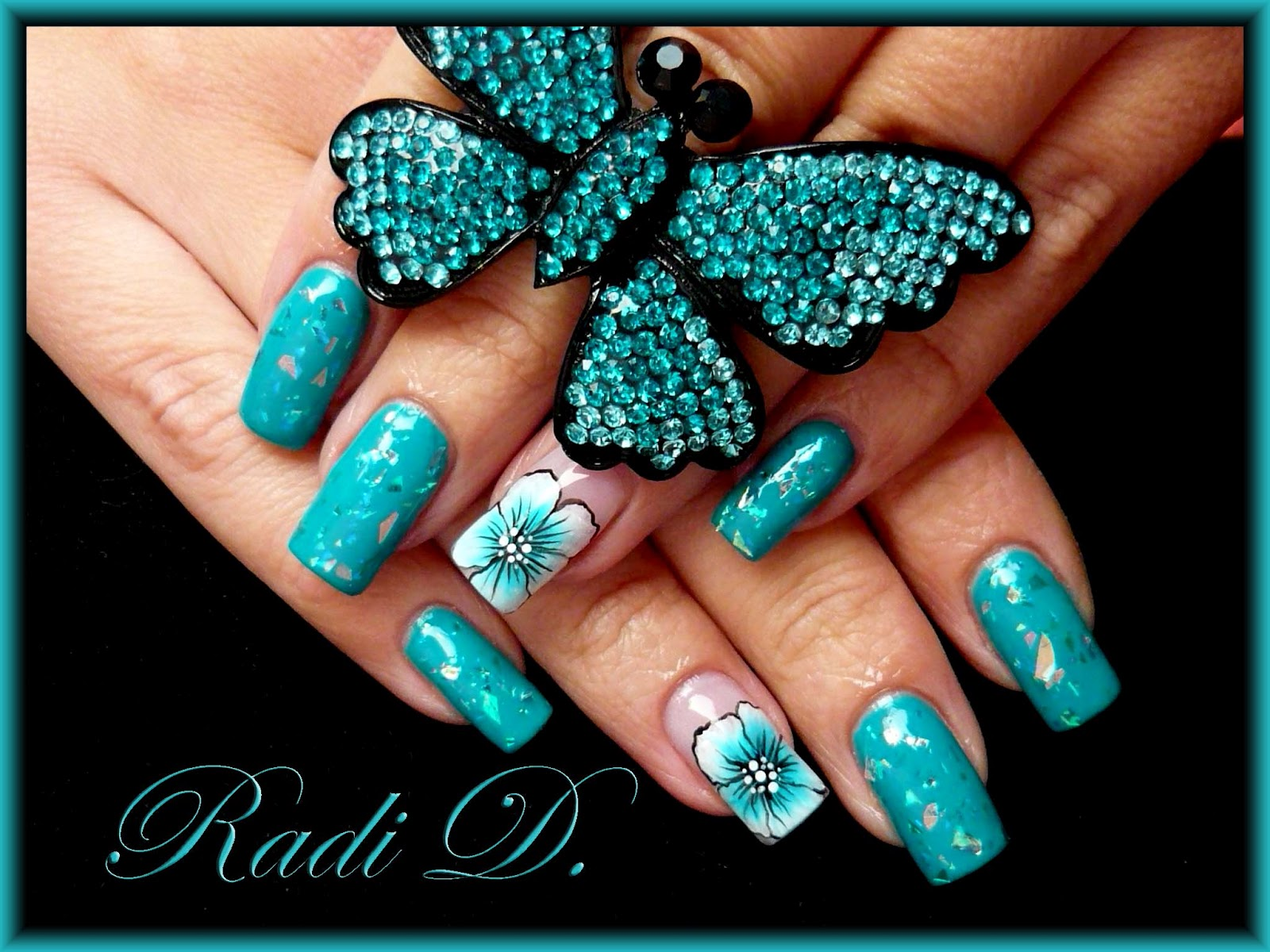 It`s all about nails: Nail art \'Blue flower & diamonds\'
