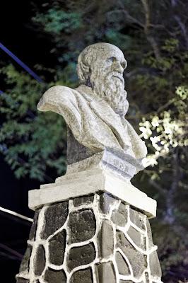 Bust of Darwin in Peurto Baquerizo Moreno