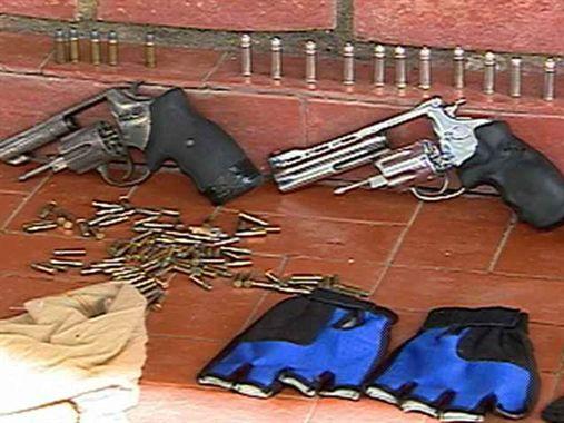 Grupo suspeito de roubo de cargas é preso pela polícia em Limoeiro