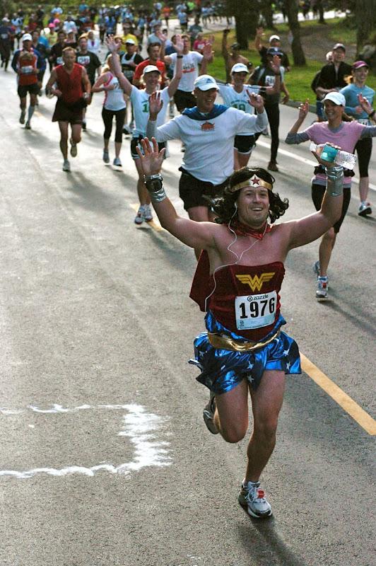 Wonder Woman runs Bay to Breakers