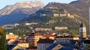 Trường bằng đại học Quản lý Grenoble