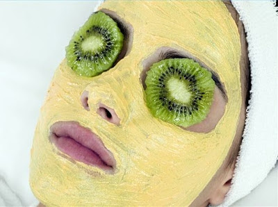 manfaat kiwi untuk perawatan kulit
