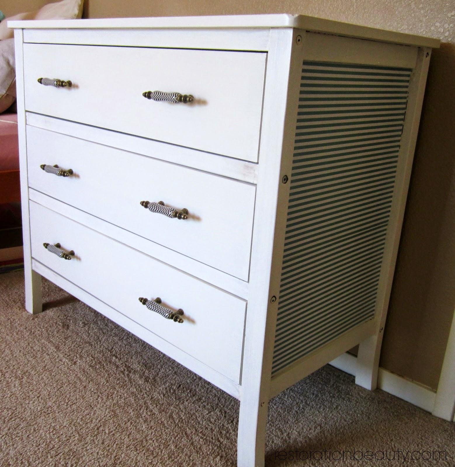 restoration beauty dresser makeover using diy chalk paint. Black Bedroom Furniture Sets. Home Design Ideas