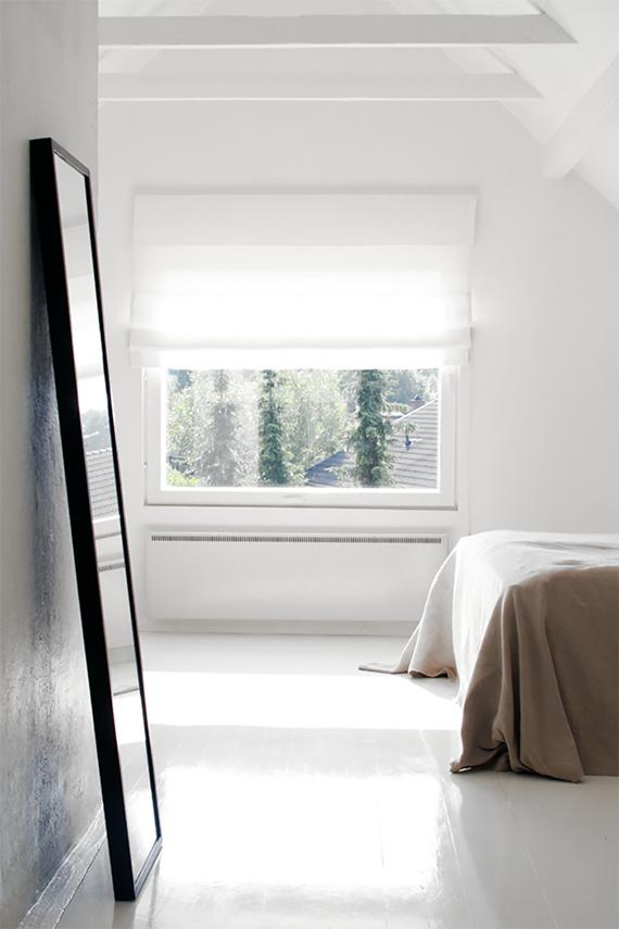 Soothing minimalist bedrooms for a simple life | Image by Pihkala via Styleroom