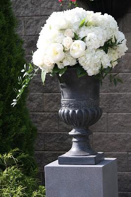 Ceremony at Glen Sanders Wedding Flowers