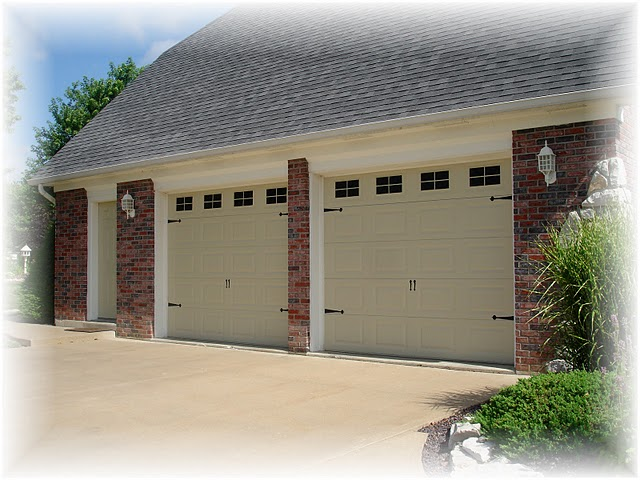 Someday crafts painted carriage garage doors for Painted garage doors pictures
